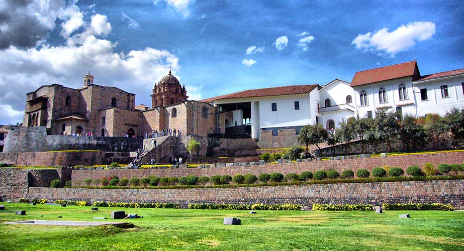 Day 9: CITY TOUR CUSCO + 4 NEARBY RUINS