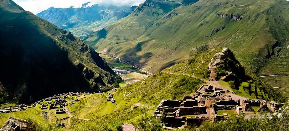 Day 1: Cusco – Pisac – Urubamba - Ollantaytambo – Aguas Calientes
