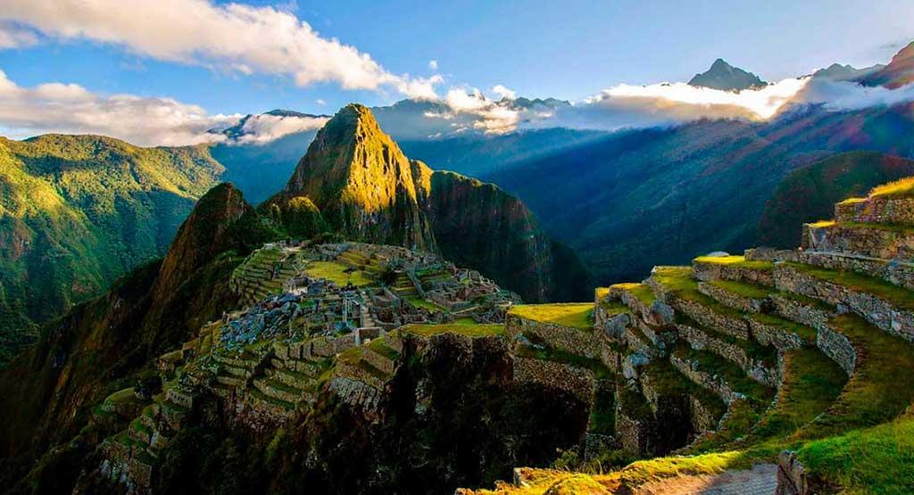 Day 4: Visit Machu Picchu Sanctuary and return to Cusco.